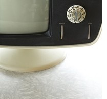 televisions with knob to turn channels