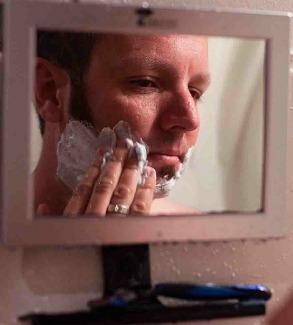 Toilet-tree-fogless-mirror