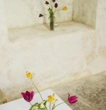 glass-vases-and-tables