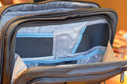 laptop-bag-with-compartments