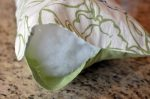 Make your own throw pillows out of placemats!