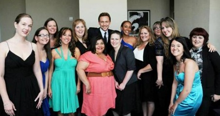 tom hiddleston interview with mom bloggers
