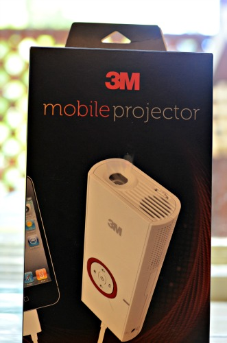 3m mobile projector play movies outdoors on ceiling for Apple mobile projector