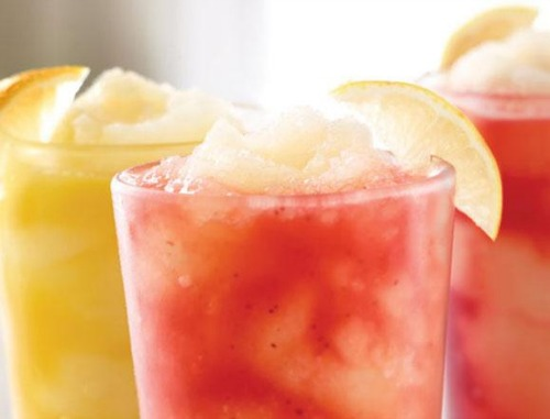strawberry lemonade,applebees,beverages