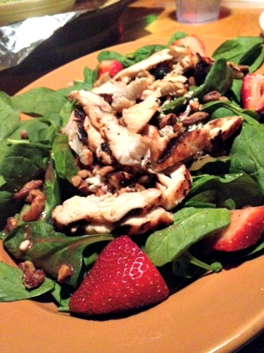 spinach salad with berries,applebees
