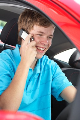 teen on cell phone,mobile safety