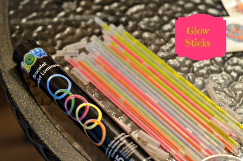 glow sticks,teen party,ideas,activities