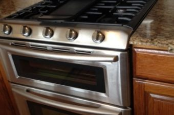 How did I survive without my Maytag Gemini® Gas Double Oven Range? #Maytag Moms