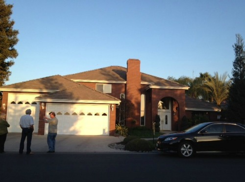 3 car garage,overhead garage doors,
