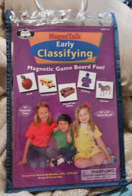 MagneTalk Early Classifying comes in a nice little carrying case to take it on the go.