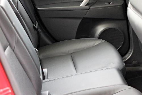 mazda 3,back seat,legroom