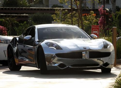 Bieber Car (500x364)