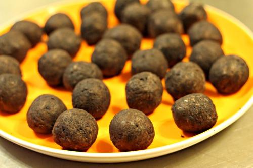 #oreocookieballs,OREO,Cookie Balls,dessert,holiday,elves