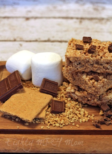 Bring the outdoors inside with these Campfire Rice Krispie Treat S'mores! #camping #Smores