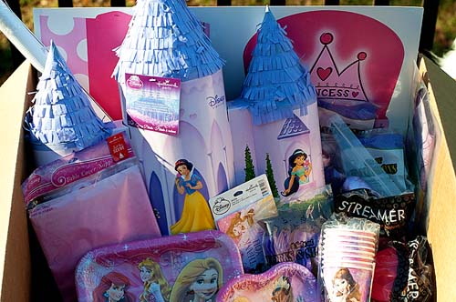 princess party,decorations,pinata
