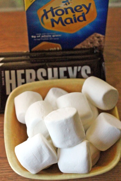Campfire Rice Krispie Treat S'mores,dessert,chocolate #camping #Smores
