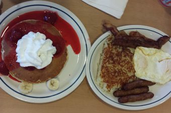 Strawberry Banana Cream Pie Pancakes at IHOP – Review