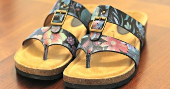 sofft-shoes-bettina-floral-print-sandal