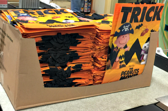 peanuts movie halloween bags