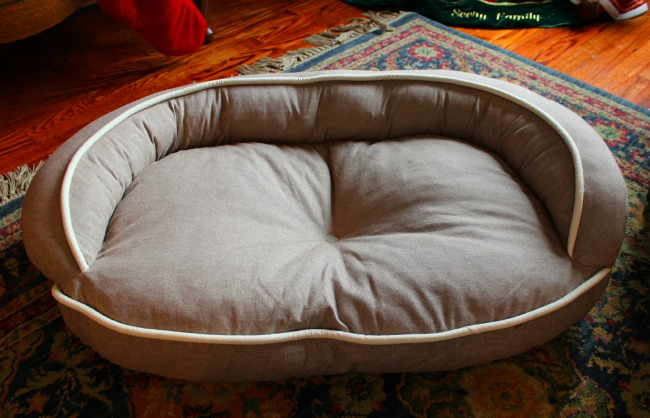 Loved_Ones_Medium_Pet_Bed