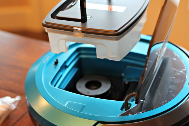 how to empty bissell robot smartclean vacuum