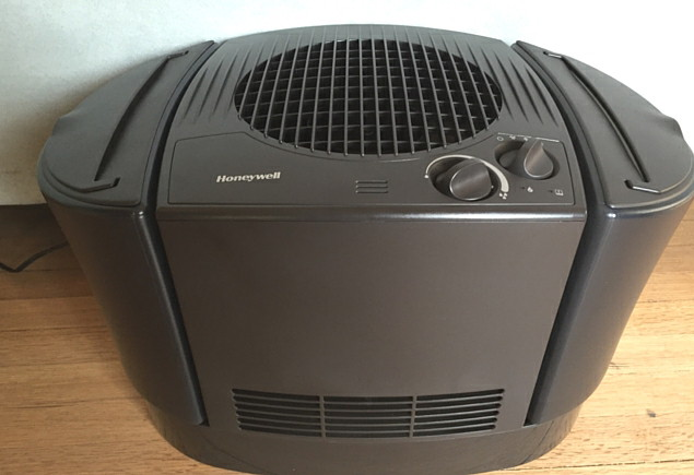 Eight MPH Mom Honeywell Top Fill Console Humidifier (1)