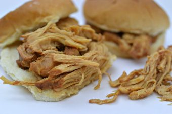 Slow Cooker BBQ Pulled Chicken Buns