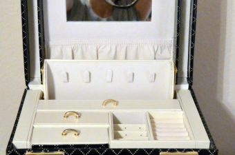 Vlando Jewelry Box Review