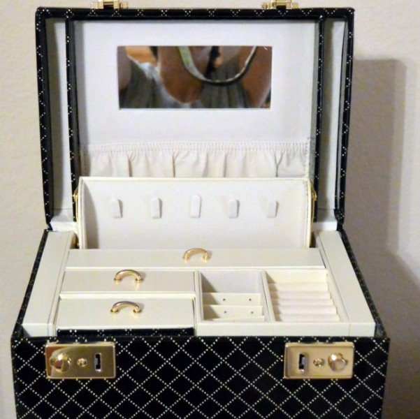 vlando-jewelry-box-2