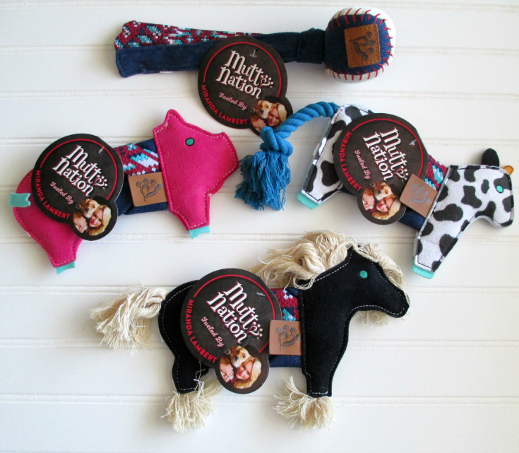 Spend the Holidays with Miranda Lambert and MuttNation {Giveaway}