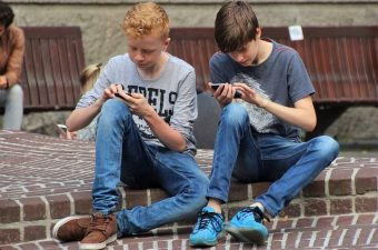 Controlling Your Child's Mobile Phone Usage