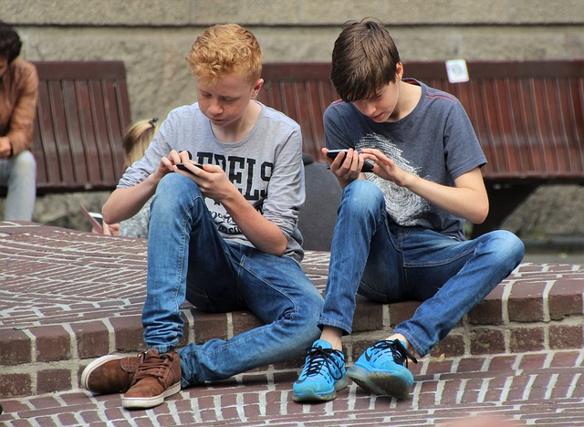 Controlling Your Child's Mobile Phone Use
