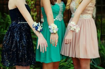 Prom Dress Shopping Tips for Moms
