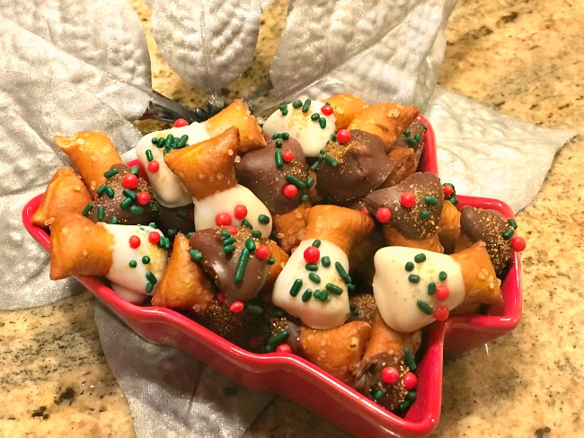 Sweet and Salty Holiday Pretzel Bows